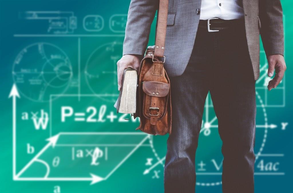 Harmanlanmış Program İçin bir Dersi Geleneksel Öğretimden Çevrim İçi Öğrenmeye Dönüştürmek
